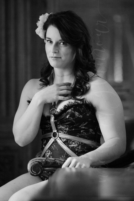 new-england-boudoir-photographer-harness-vintage04.jpg