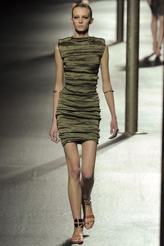 Spring Trends: Fashion vs. Ebay