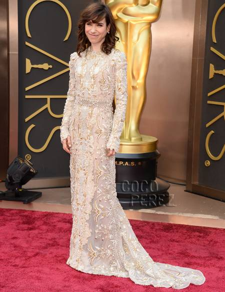 sally-hawkins-oscars-2014-red-carpet-arrivals__oPt.jpg