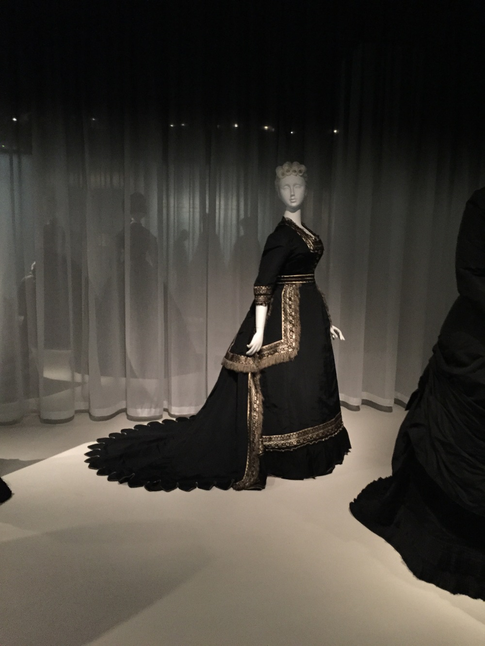 American mourning dress, 1872-74