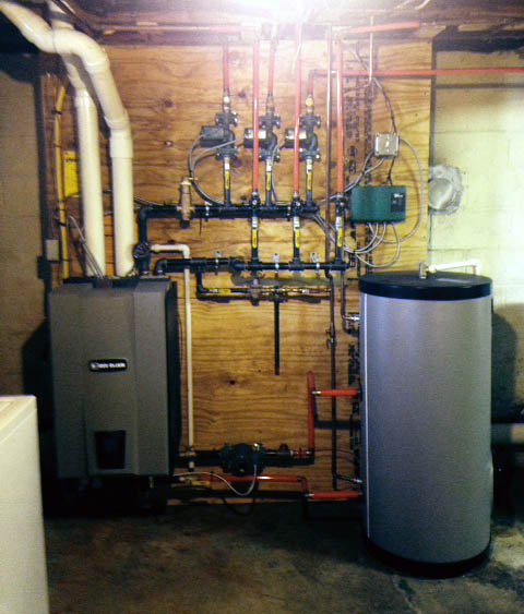 Weil McClain WM97+ 70,000BTU Gas Boiler & Aqua PLUS 45 Indirect Fire Water Heater