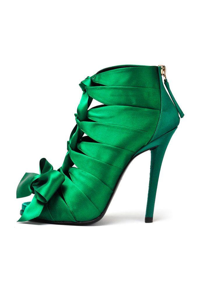 A Stunning Emerald Green Silk Pump by Roger Vivier