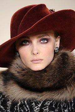 Carolina Herrera, Her luxurious interpretation of a Fedora. Oh those smoky eyes!