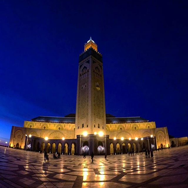 It's going to be a great summer! Mabrouk Ramadan to all our Muslim friends. The Hassan 2 mosque is a stunning sight during this holy month when all the city hangs out on its plaza and soaks in the fresh sea breeze. #diwantraveler #discovermorocco #discovercasablanca #travelandlife #hotelstuff #travelideas #casablanca #morocco #travellove #travel