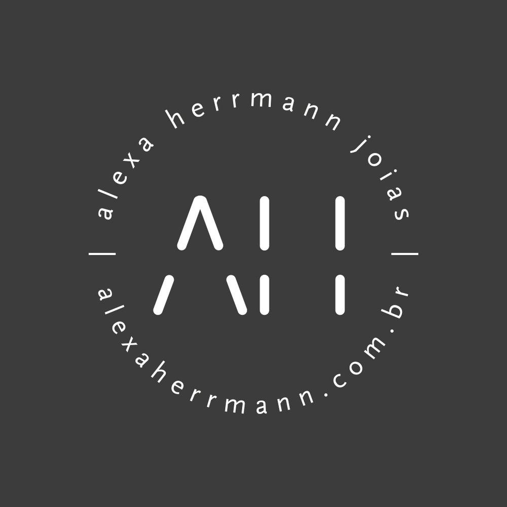 alexa herrmann | logo invertido