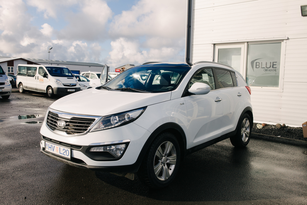 4x4 Kia Sportage provided by Blue Car Rental