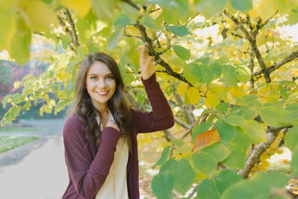 SiennaLochtie_Senior-2014_Hoyt_Arboretum_Washington_Park_Natural_Outdoor_Senior_Portrait_Photography_Portland_Oregon_067-Edit.jpg