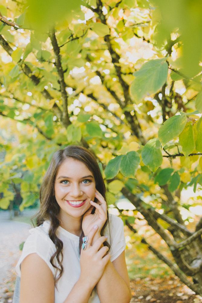 SiennaLochtie_Senior-2014_Hoyt_Arboretum_Washington_Park_Natural_Outdoor_Senior_Portrait_Photography_Portland_Oregon_116.jpg