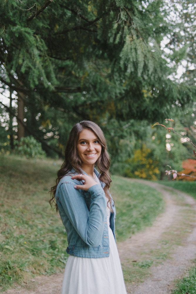 SiennaLochtie_Senior-2014_Hoyt_Arboretum_Washington_Park_Natural_Outdoor_Senior_Portrait_Photography_Portland_Oregon_68-Edit.jpg