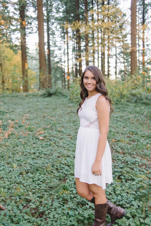 SiennaLochtie_Senior-2014_Hoyt_Arboretum_Washington_Park_Natural_Outdoor_Senior_Portrait_Photography_Portland_Oregon_511.jpg