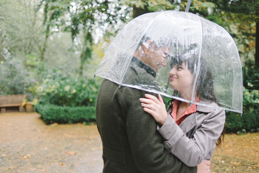 Leach-Botanical-Gardens-Couples-Photography-Rain-Umbrella-Johan-Dani_Engagement_0280.jpg