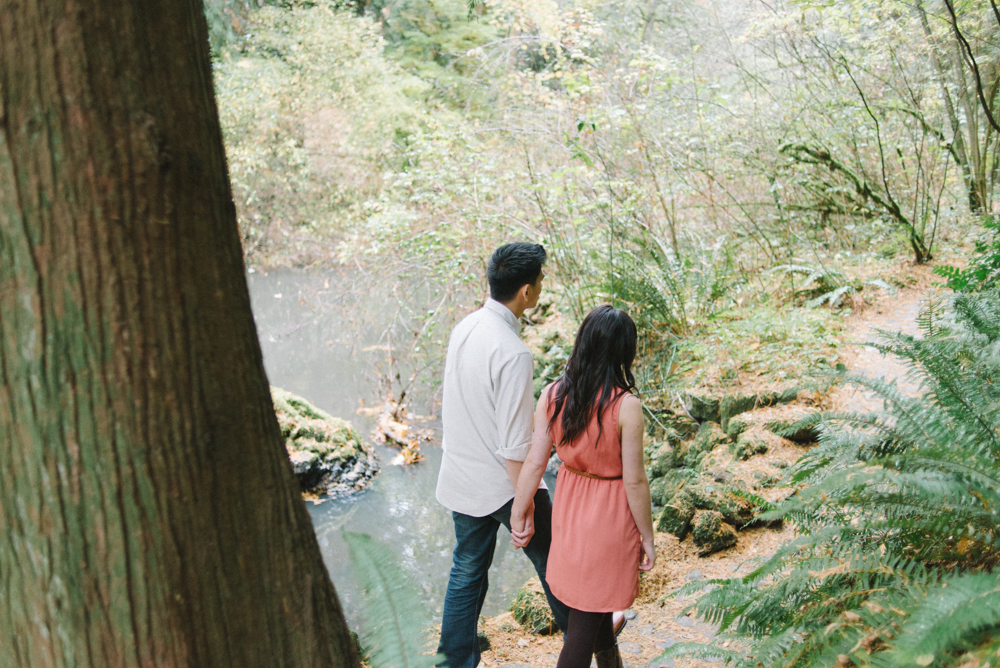 Leach-Botanical-Gardens-Couples-Photography-Walking-Holding-Hands-Johan-Dani_Engagement_0502.jpg