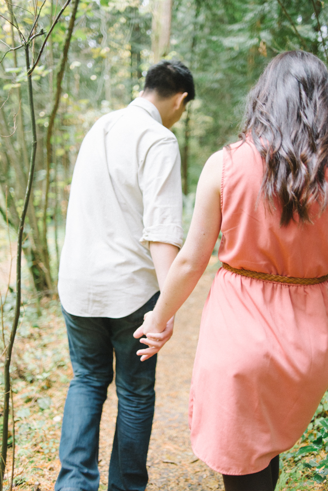 Leach-Botanical-Gardens-Couples-Photography-Walking-Holding-Hands-Johan-Dani_Engagement_0544.jpg