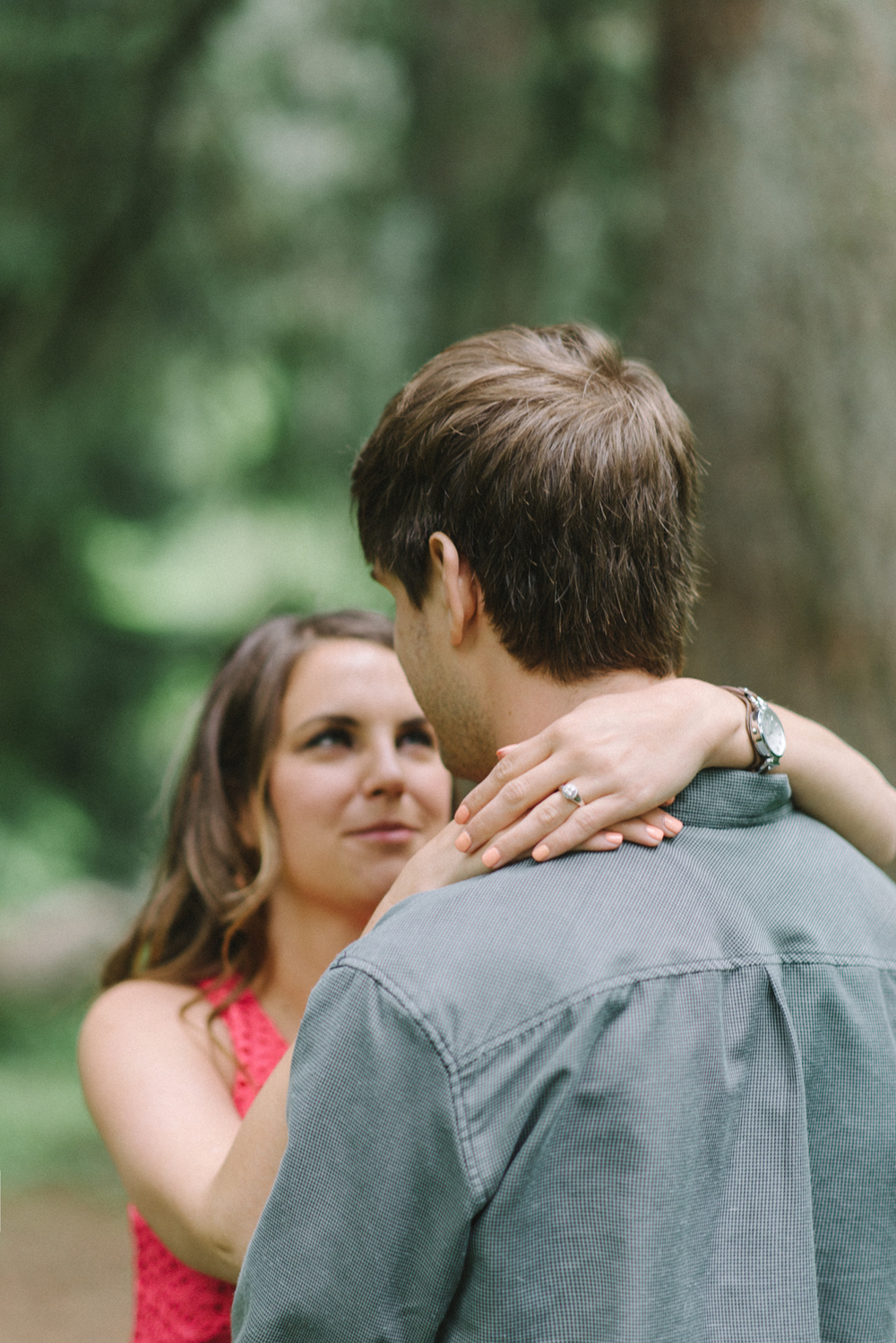 Portland-oregon-engagement-session-photographer-hoyt-arboretum-washington-park-shelley-marie-photography-forest-natural-woodland-ring-19