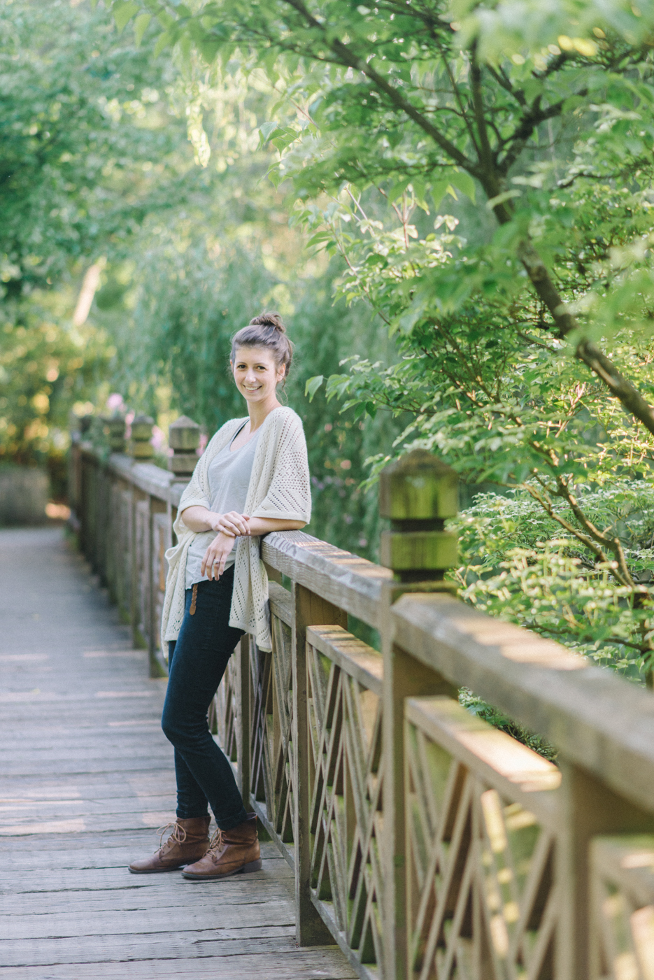 best-senior-portraits-2014-portland-oregon-bridge-crystal-springs-rhododendron-garden-6.jpg