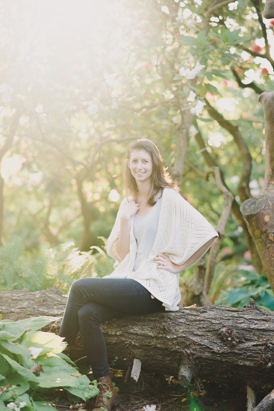 best-senior-portraits-portland-oregon-bridge-crystal-springs-rhododendron-garden-8.jpg