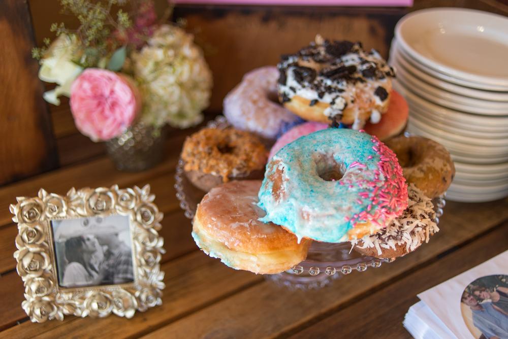 tanner-springs-park-ecotrust-building-wedding-voo-doo-doughnuts-portland-oregon-shelley-marie-photo