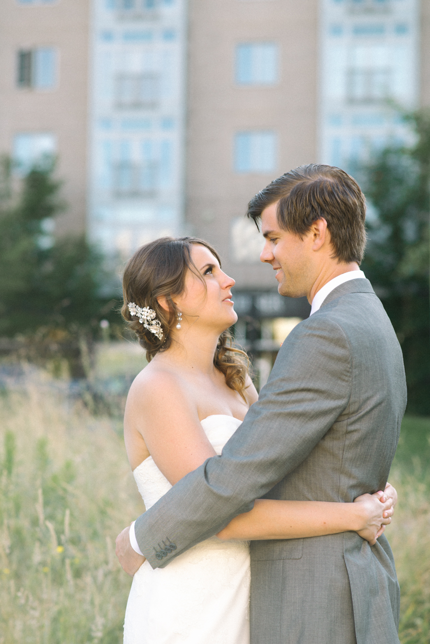 tanner-springs-park-ecotrust-building-wedding-portland-oregon-shelley-marie-photo-2