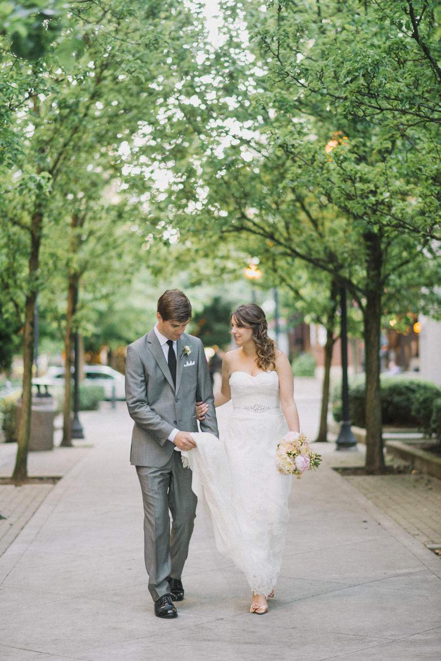 tanner-springs-park-ecotrust-building-wedding-portland-oregon-shelley-marie-photo