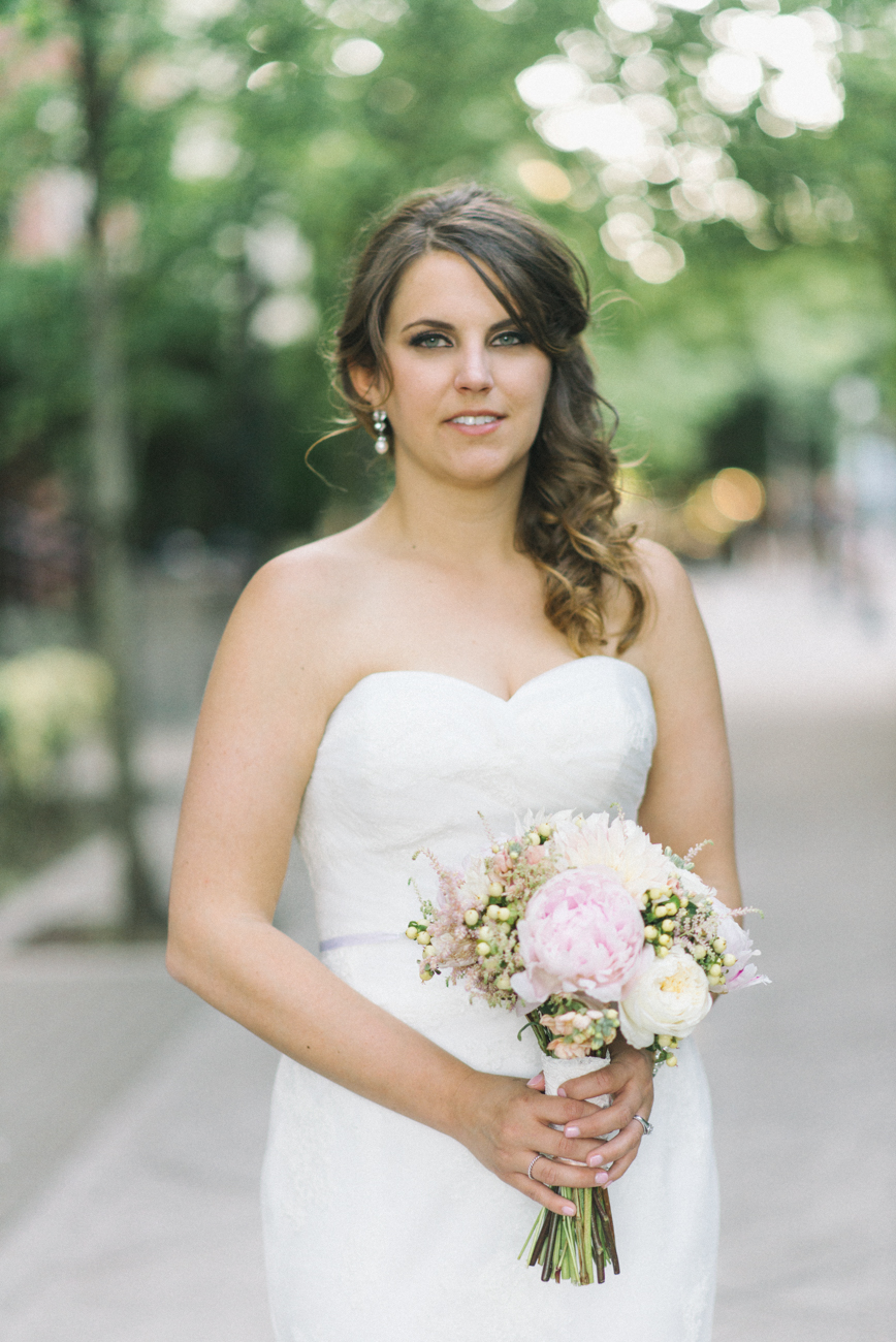tanner-springs-park-ecotrust-building-wedding-portland-oregon-shelley-marie-photo-5