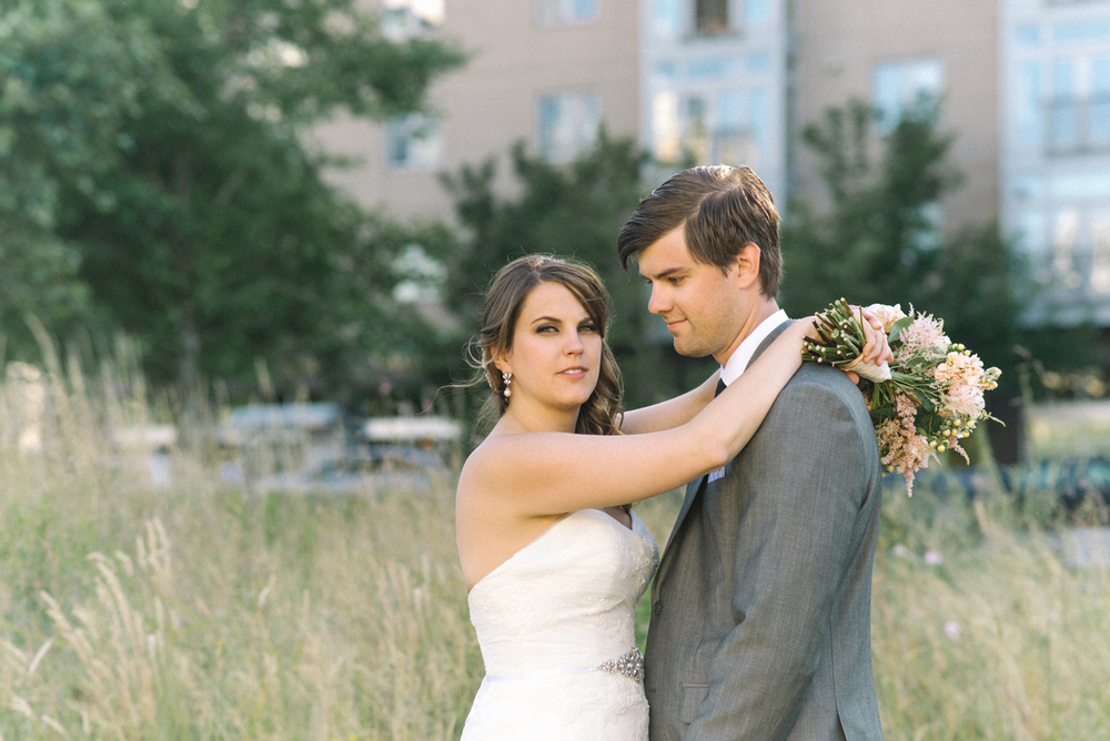 tanner-springs-park-ecotrust-building-wedding-couple-bouquet-portland-oregon-shelley-marie-photo-7