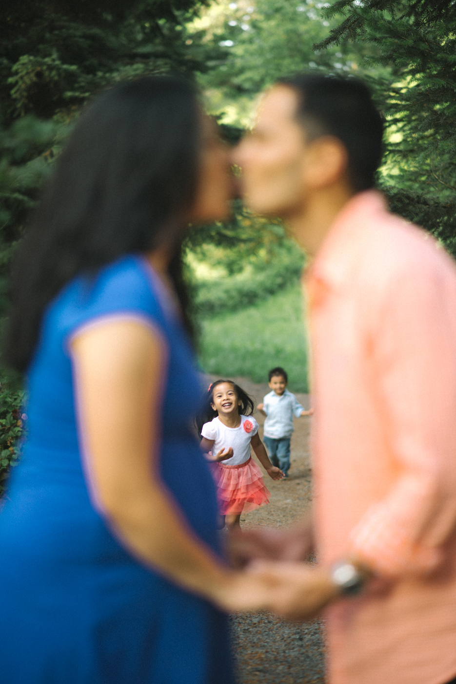 Hoyt-Arboretum-Washington-Park-professional-maternity-family-session-photos-portland-oregon-natural-woodland-6