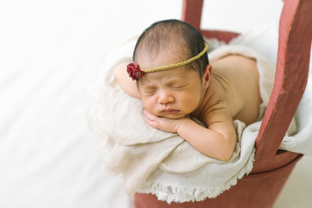 Newborn-Photographer-Portland-Oregon-Baby-Portrait-Natural-Light-red-basket-gold-headband-Shelley-Marie-Photography-3