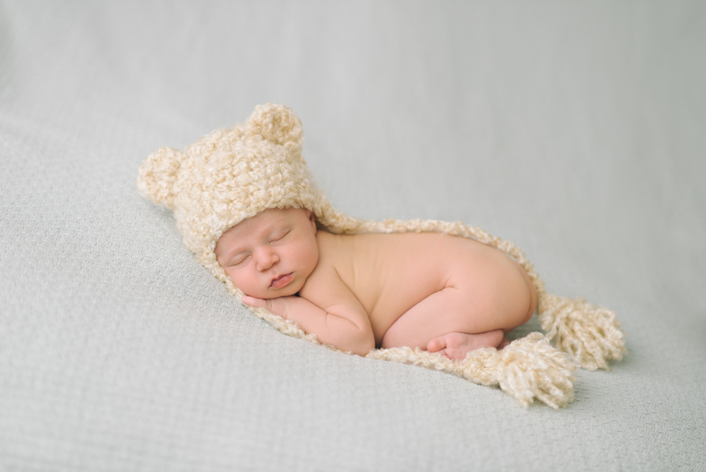 Newborn-Photographer-Portland-Oregon-Portrait-Sleeping-Baby-Girl-Teddy-Bear-cream-knit-hat-Natural-light-Shelley-Marie-Photography-3
