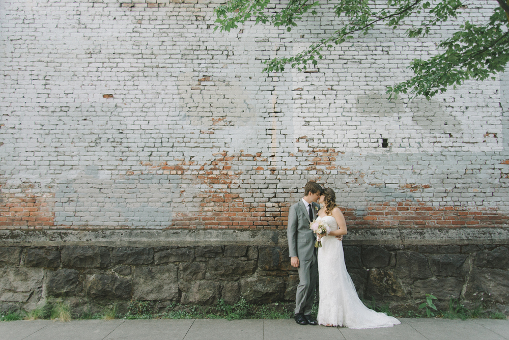 Portland-Oregon-Wedding-photographer-ecotrust-building-tanner-springs-park-bride-and-groom-portrait-brick-wall-shelley-marie-photography-4