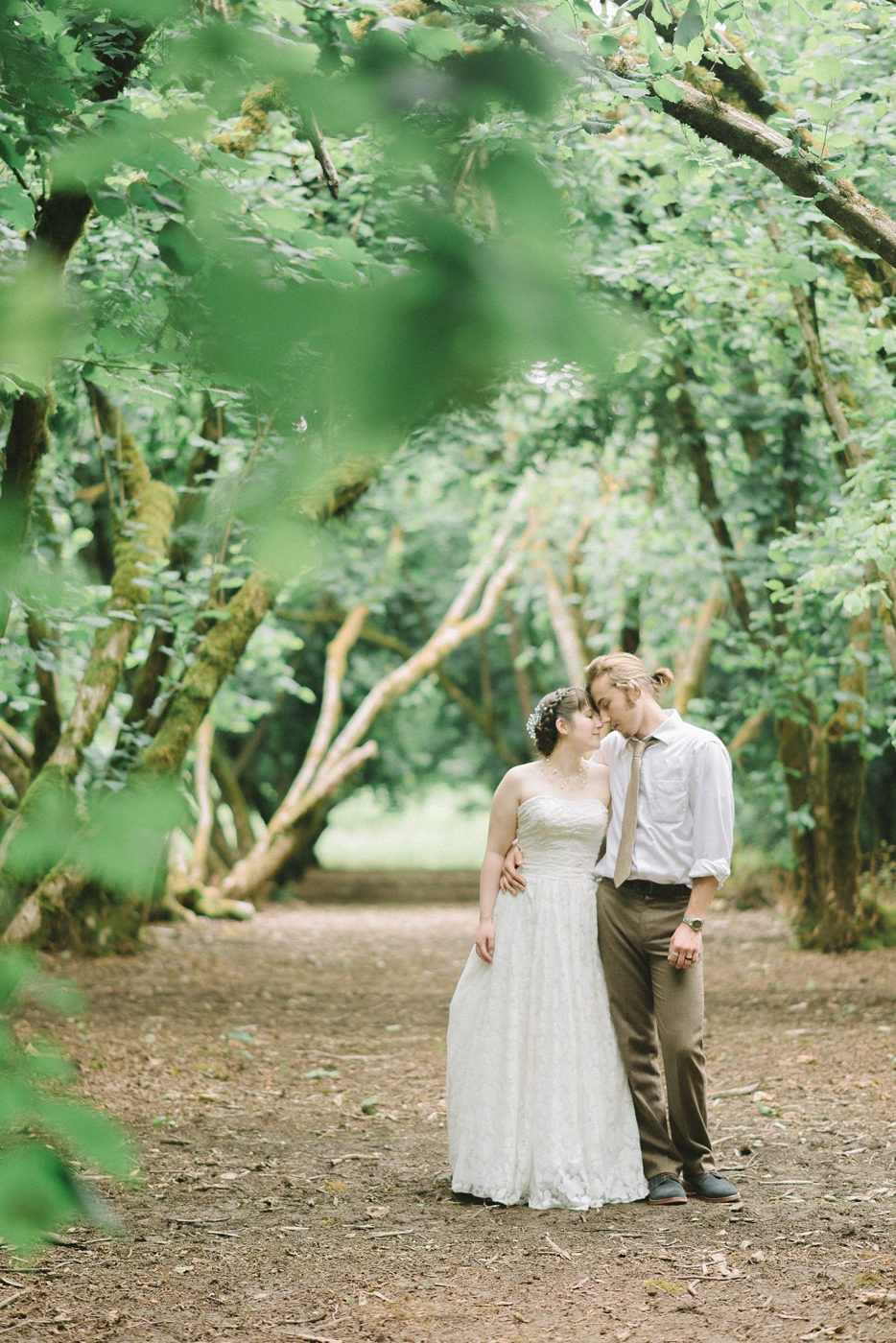 Dorris-Ranch-Springfield-Oregon-Wedding-Bride-and-Groom-Couples-Portrait-Nature-Rustic-Portland-Natural-Light-Photographer-Shelley-Marie-Photography-7