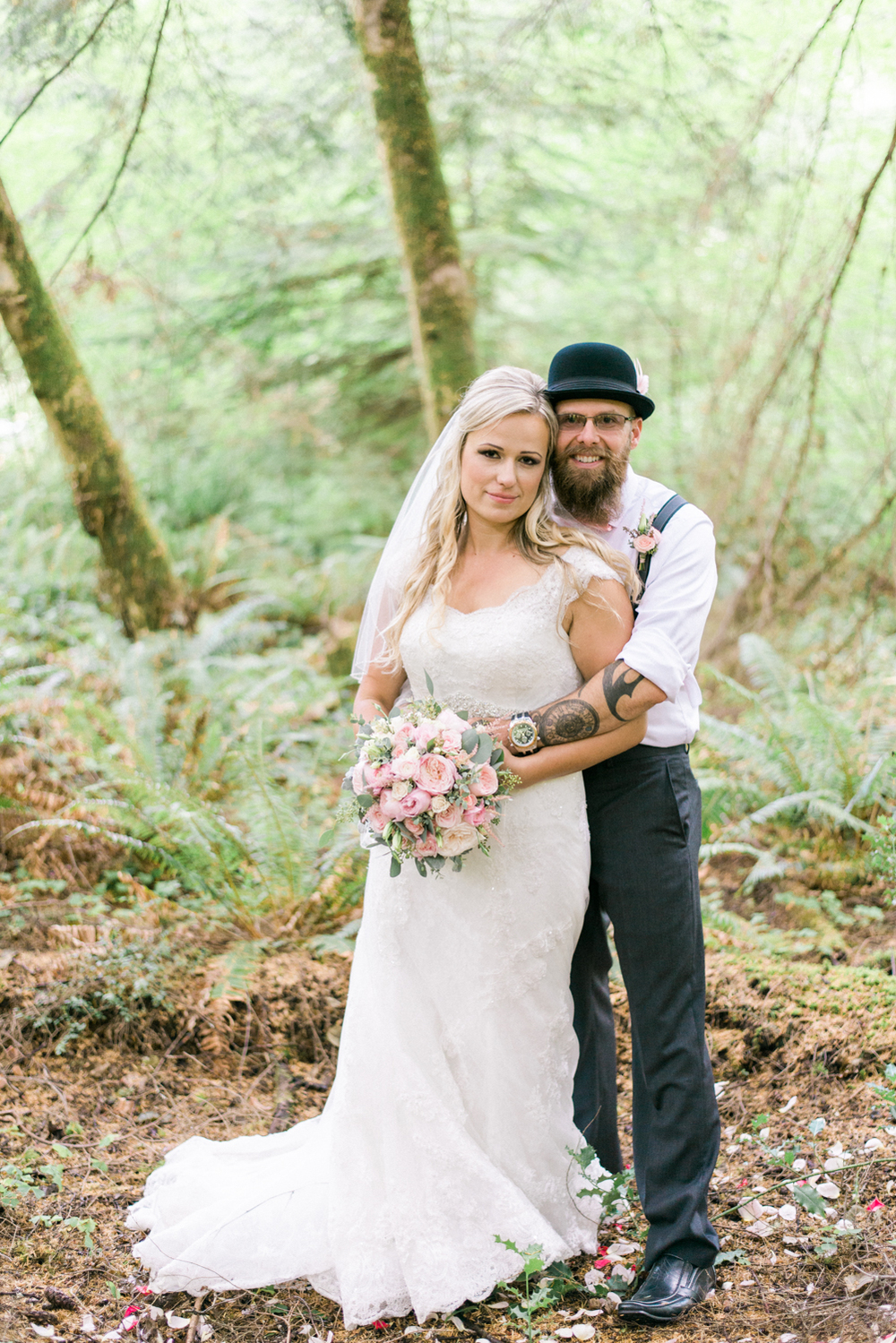 portland-oregon-wedding-DIY-vintage-backyard-rustic-shelley-marie-photo-2