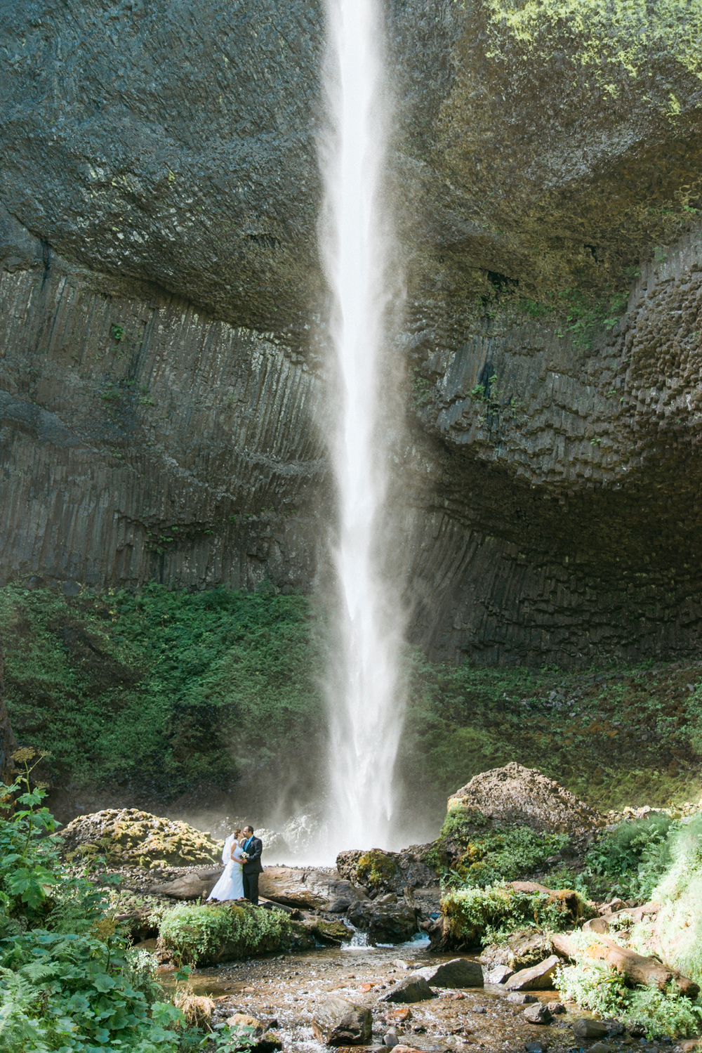 latourell-falls-waterfall-wedding-columbia-river-gorge-portland-oregon-shelley-marie-photo-2