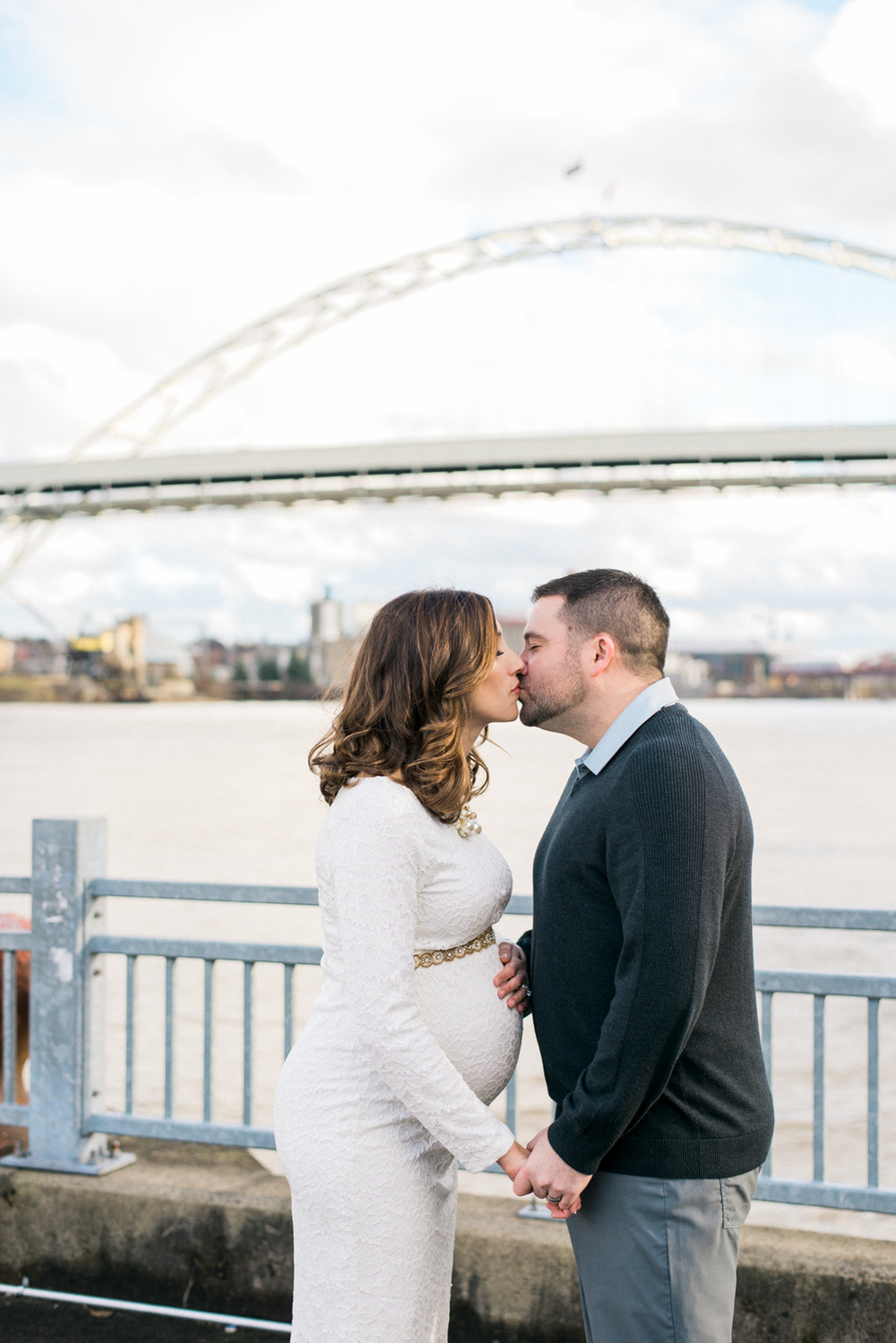 waterfront-portland-maternity-photography-fremont-bridge-urban-city-shelley-marie-photo-3