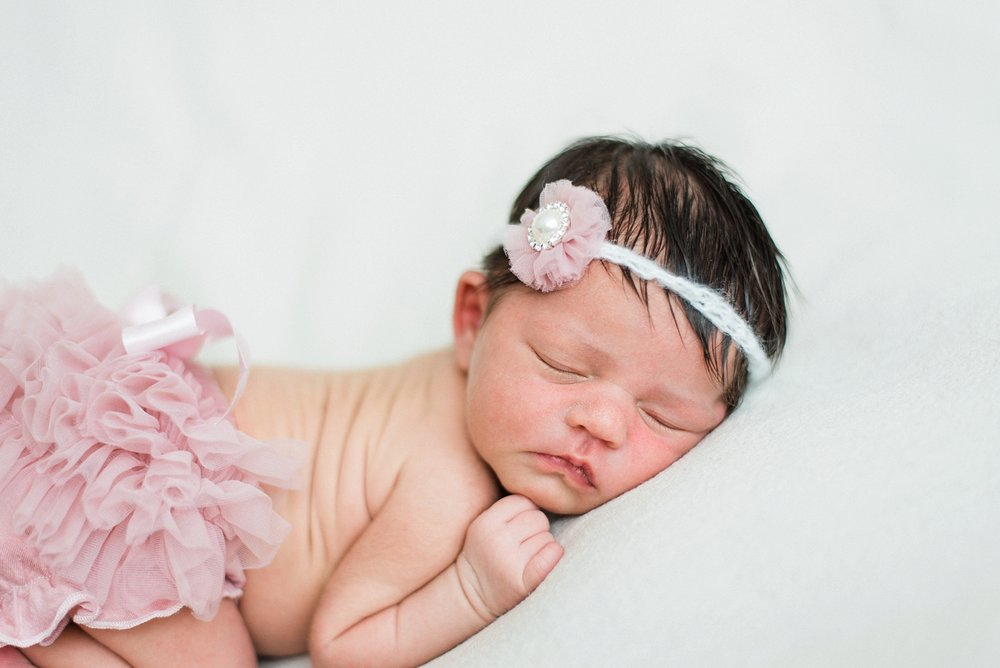 portland-newborn-photography-baby-girl-pink-tutu-shelley-marie-photo-1