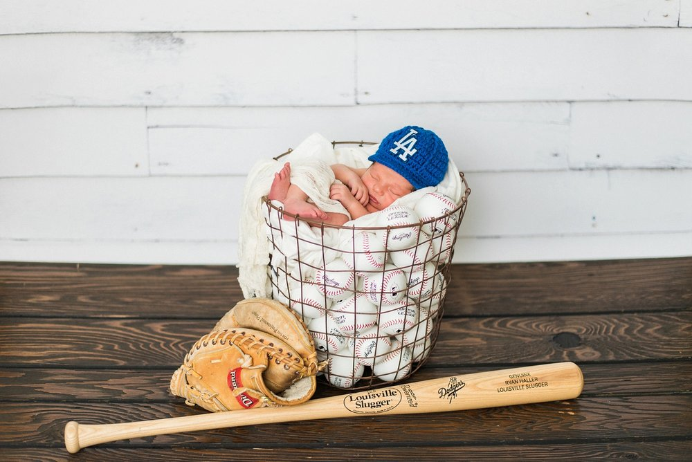 Dodgers-portland-newborn-boy-photography-dodgers-baseball-shelley-marie-photo-1