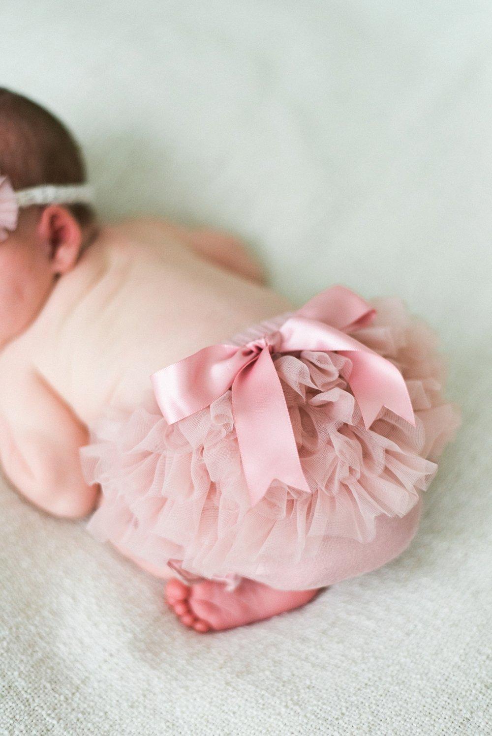 portland-newborn-photographer-baby-girl-pink-tutu-bow-03