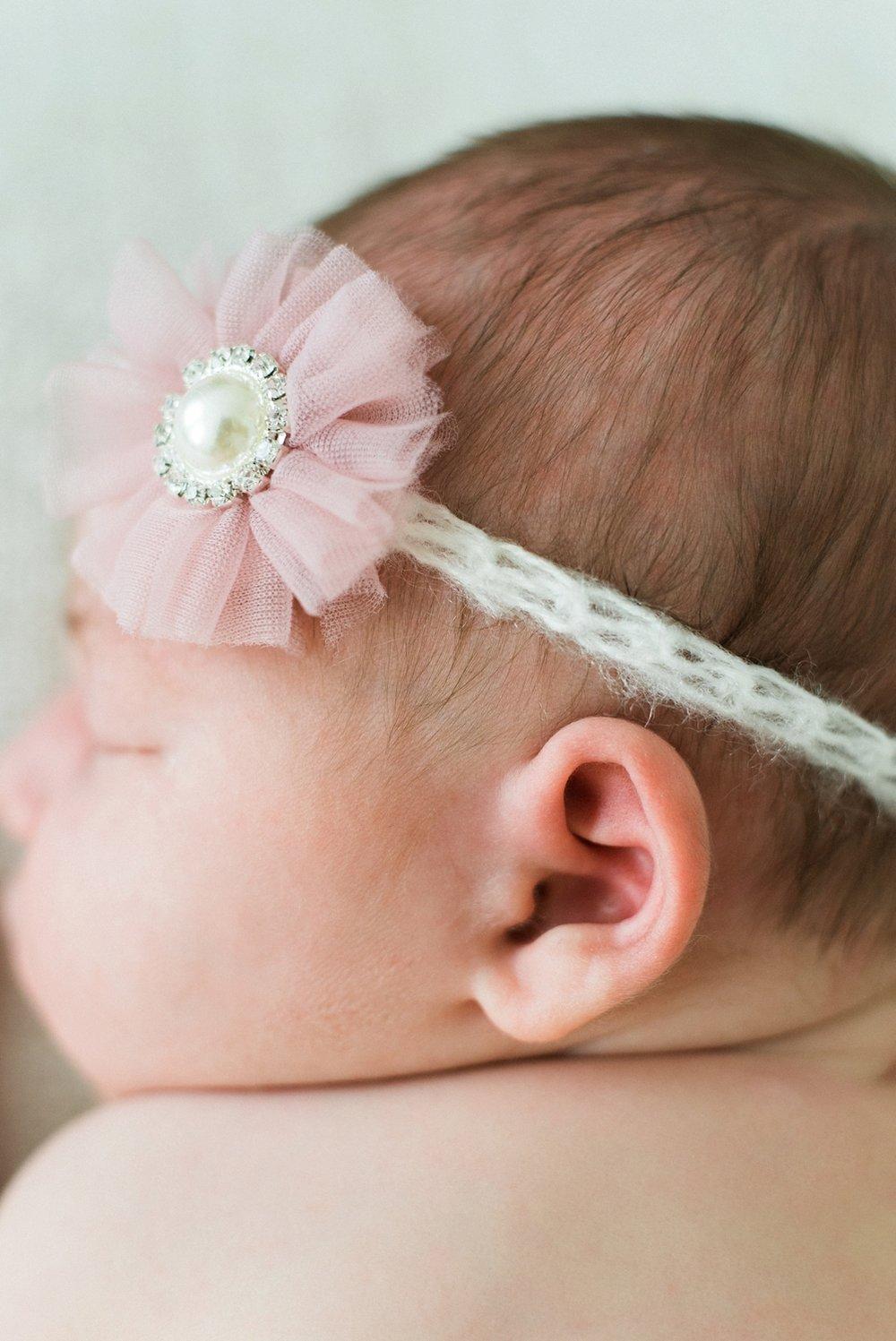 portland-newborn-photographer-baby-girl-pink-tutu-headband-03