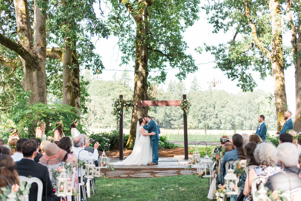 postlewaits-wedding-natural-elegant-outdoor-portland-oregon-shelley-marie-photo-1
