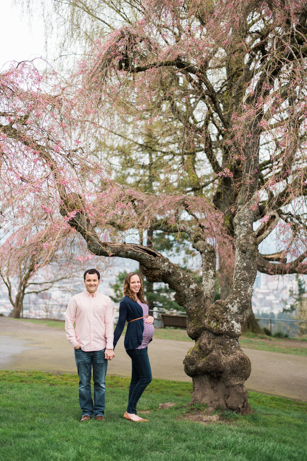 pittock-mansion-maternity-photography-portland-cherry-blossom-shelley-marie-photo-08.jpg