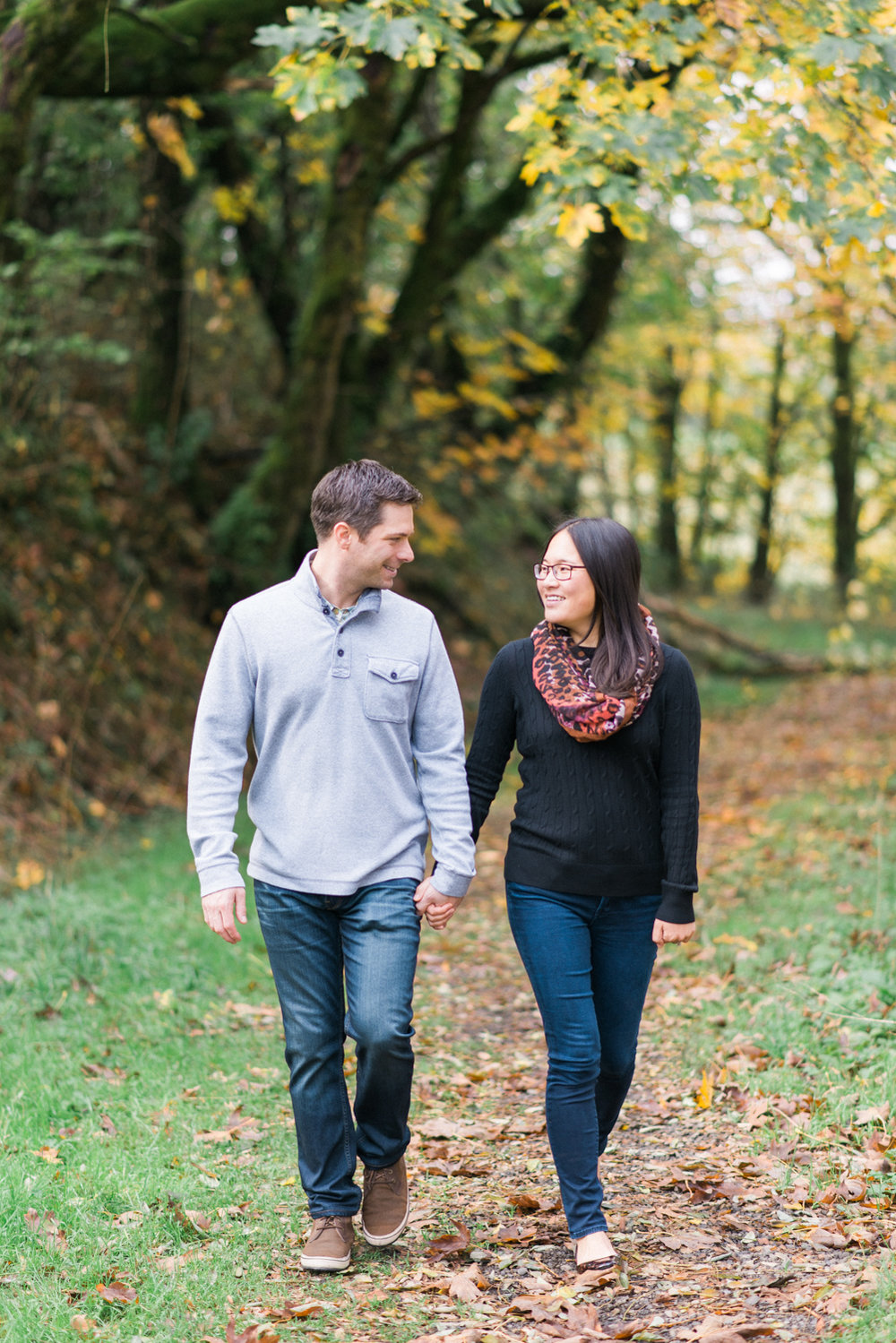 portland-engagement-columbia-river-gorge-latourell-waterfall-autumn-fall-crown-point-shelley-marie-photo-06.jpg