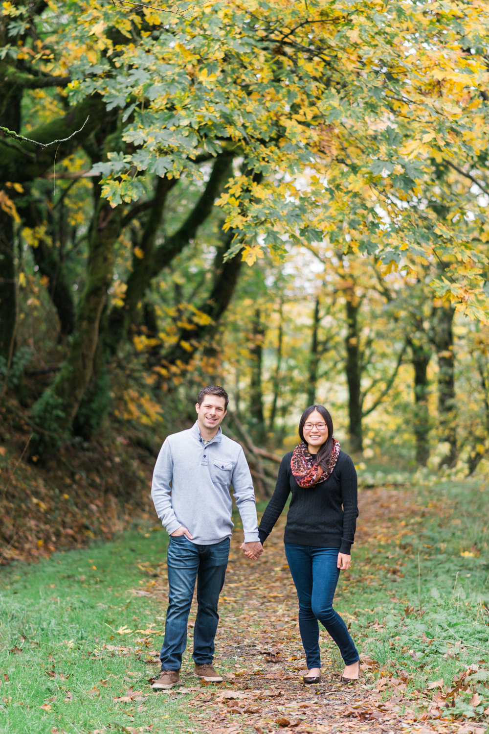 portland-engagement-columbia-river-gorge-latourell-waterfall-autumn-fall-crown-point-shelley-marie-photo-10.jpg