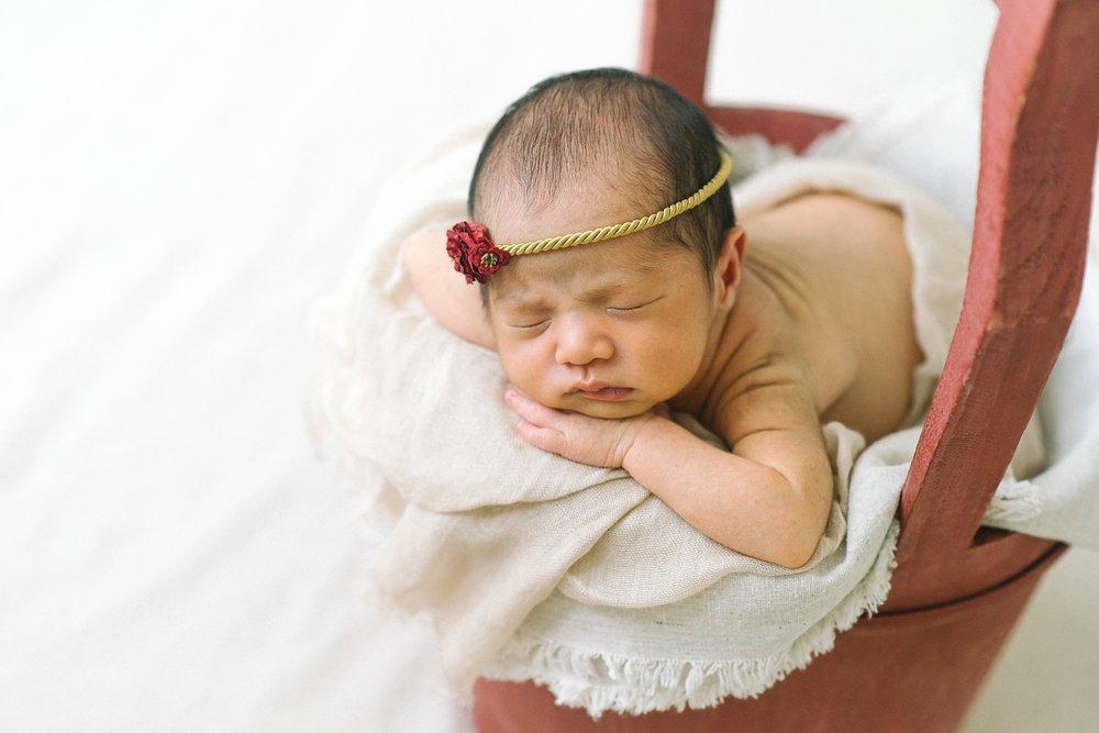 portland-oregon-newborn-photographer-sleeping-baby-girl-red-basket-shelley-marie-photography-3.jpg