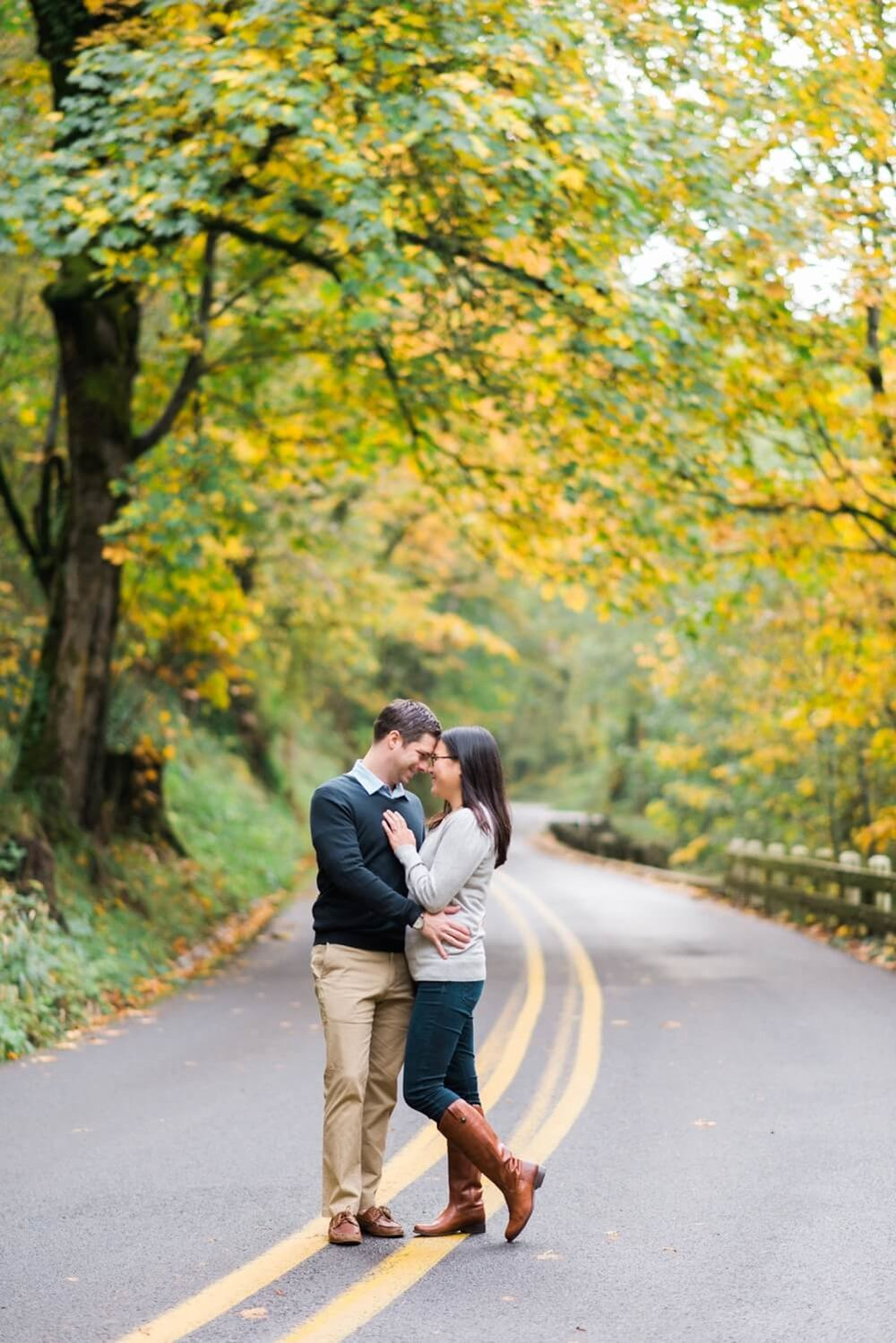 portland-engagement-colubia-river-gorge-latourell-waterfall-autumn-fall-crown-point-shelley-marie-photo-31_cr.jpg