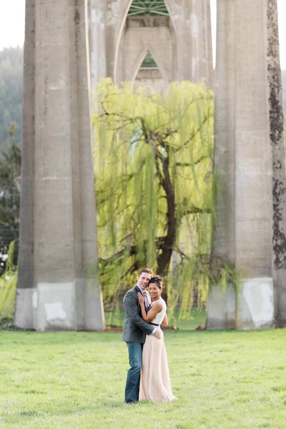portland-waterfront-engagement-cherry-blossom-cathedral-park-sokhorn-jay-201_cr.jpg