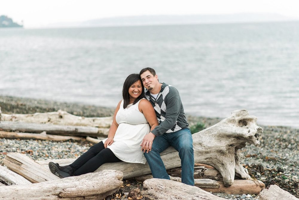 seattle-beach-engagement-photography-west-point-lighthouse-discovery-park-shelley-marie-photo-564-Edit_cr.jpg