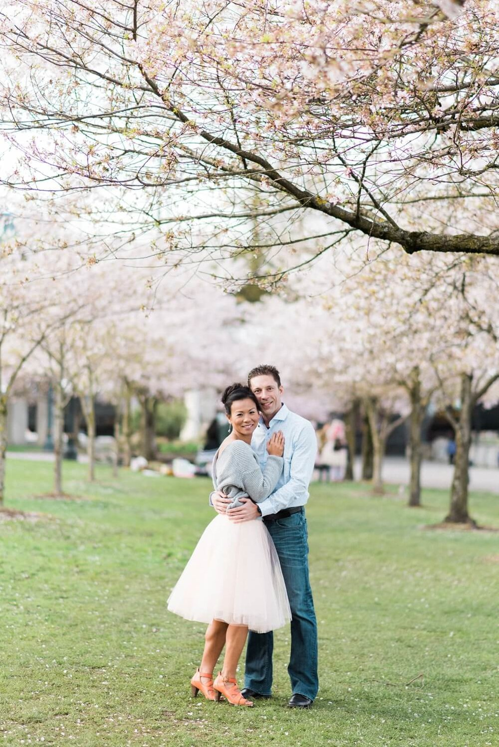 portland-waterfront-engagement-cherry-blossom-cathedral-park-sokhorn-jay-012_cr.jpg