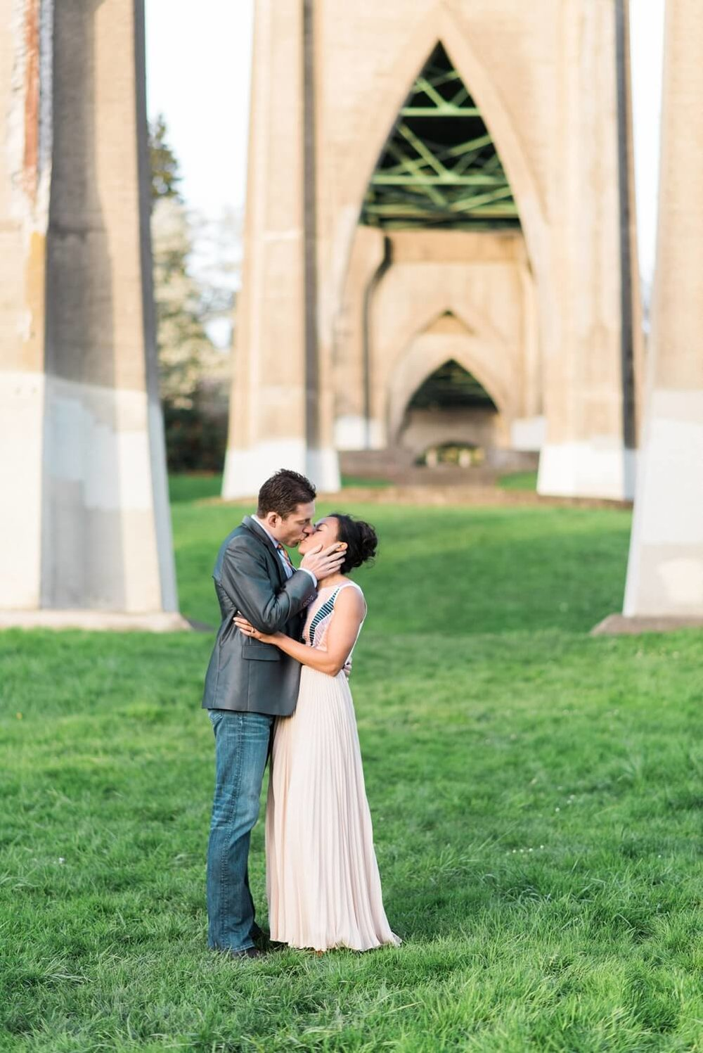 portland-waterfront-engagement-cherry-blossom-cathedral-park-sokhorn-jay-290_cr.jpg