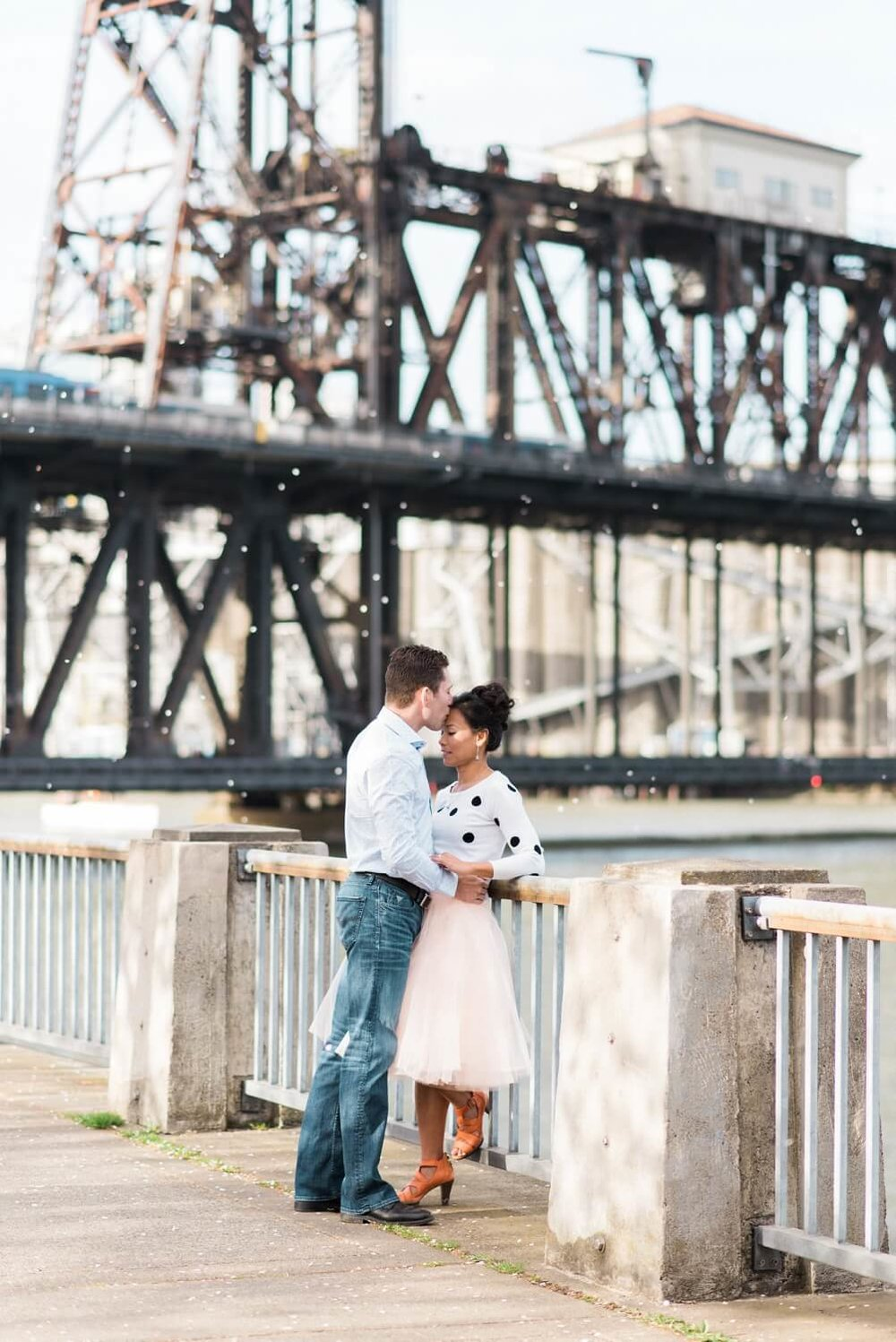 portland-waterfront-engagement-cherry-blossom-cathedral-park-sokhorn-jay-081_cr.jpg