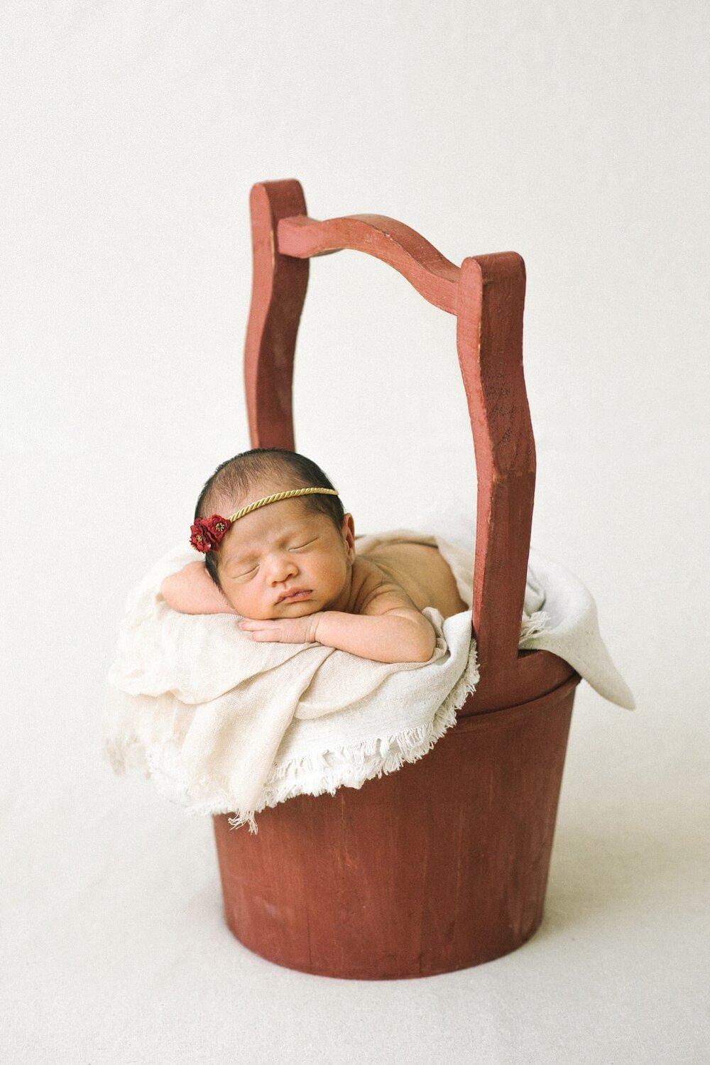 portland-oregon-newborn-photographer-sleeping-baby-girl-red-basket-shelley-marie-photography-2.jpg