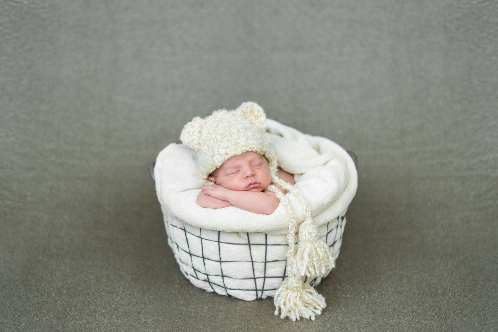 portland-oregon-newborn-photographer-sleeping-baby-boy-bear-ear-knit-hat-with-tassles-shelley-marie-photography-6.jpg